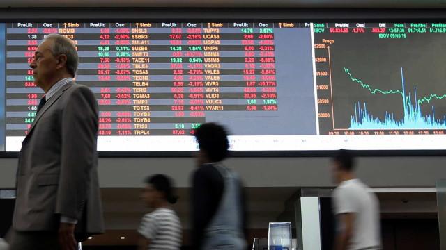 Bolsa sobe pelo 6º dia e renova recorde nominal; dólar avança