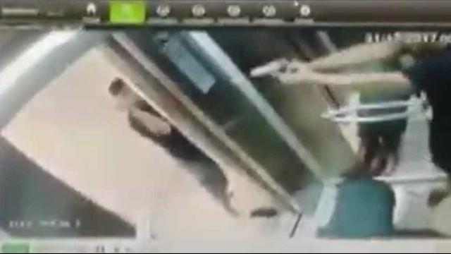 Discussão em elevador termina com socos e tiros no litoral de São Paulo
