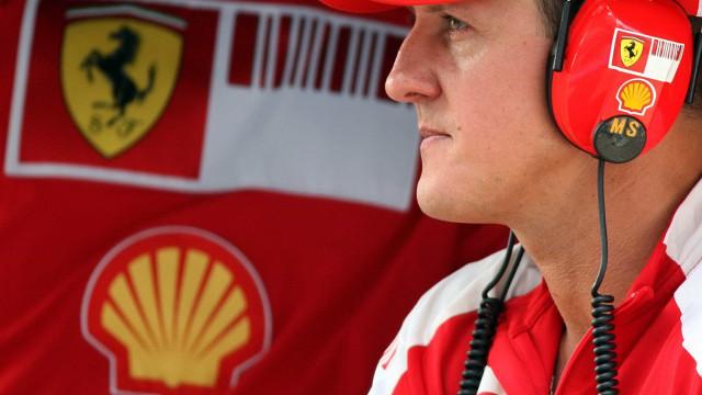 'Schumacher não respira por aparelhos', diz tabloide britânico