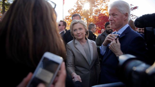 Bombeiros apagam incêndio na casa de Hillary e Bill Clinton nos EUA