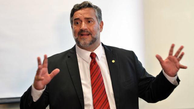 Possível prisão de Lula leva a consequências imprevisíveis, diz Pimenta