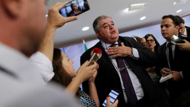 Marun diz que apresentará pedido de impeachment de Barroso ao Congresso
