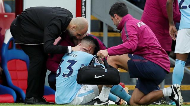 Novo exame descarta lesão grave no joelho de Gabriel Jesus