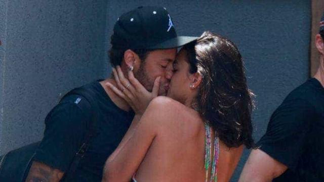 Neymar desmente boatos sobre rixa entre sua família e Marquezine