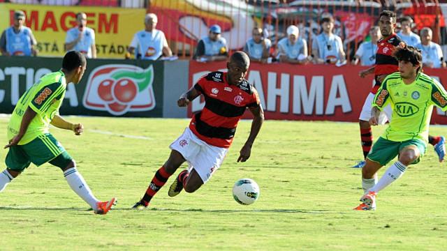 Boa Esporte anuncia contratação de ex-jogador do Flamengo