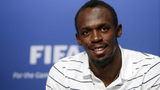Bolt diz que fechou com clube de futebol e fará anúncio nesta terça