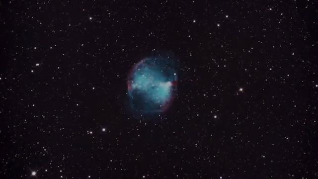 Astrônomo fotografa Galáxias e Nebulosas vistas por um telescópio