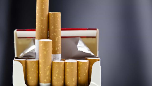 Render-se ao primeiro cigarro é meio caminho andado para ser fumante