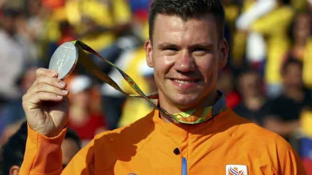 Medalhista da Rio-2016 sofre acidente e está em coma