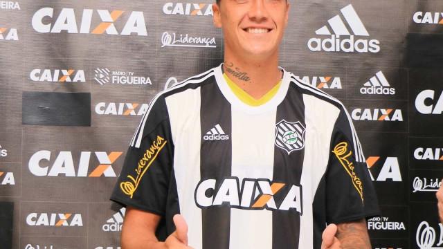 'Chegou minha hora no futebol brasileiro', diz filho do senador Romário