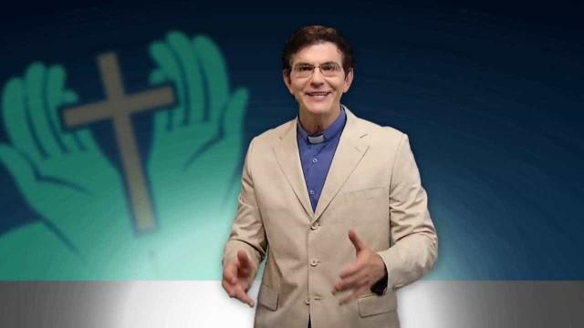 Padre Reginaldo Manzotti é autor de livro mais vendido em 2017