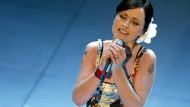 Morre vocalista da banda The Cranberries, aos 46 anos