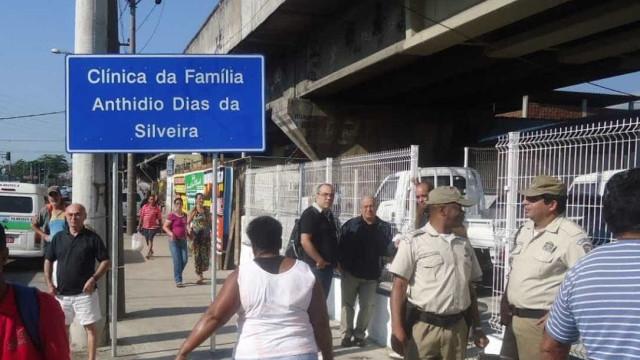 Clínica da Família no Jacarezinho é alvejada por vários tiros no Rio
