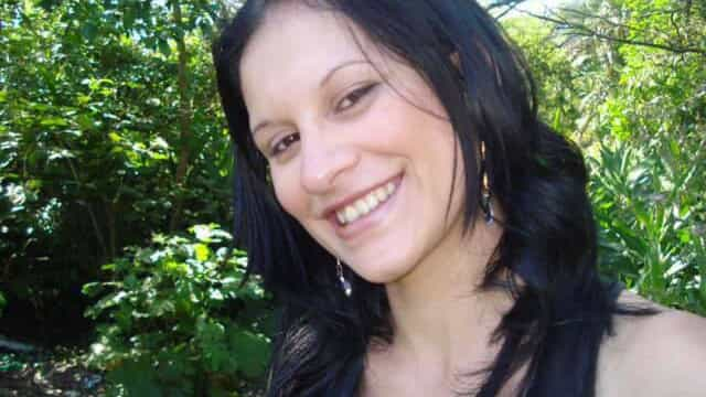 Suspeita de matar vizinha a facadas por 'inveja' está foragida
