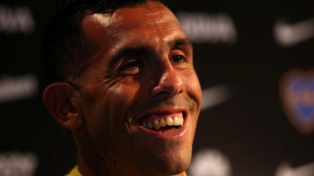 'Passei sete meses de férias na China', diz Tevez após volta ao Boca