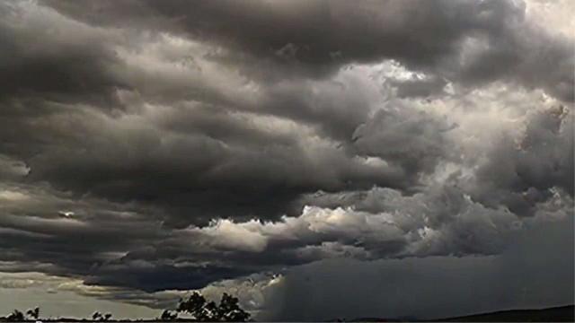 Tempestade cria efeito impressionante em time-lapse no céu da Austrália