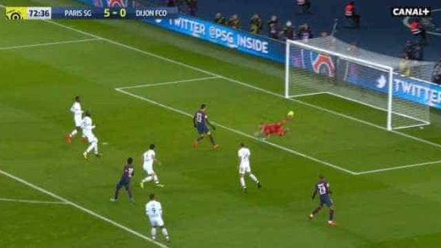 Vídeo: Neymar marca golaço na vitória do PSG sobre o Dijon por 8-0