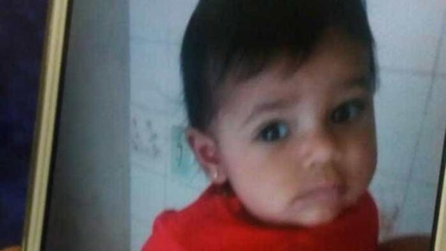 Comoção marca velório de bebê que morreu atropelada em Copacabana