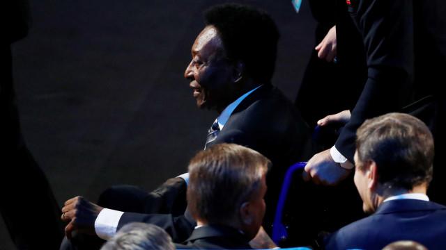 Empresário de Pelé desmente ingleses e diz que Rei não foi internado