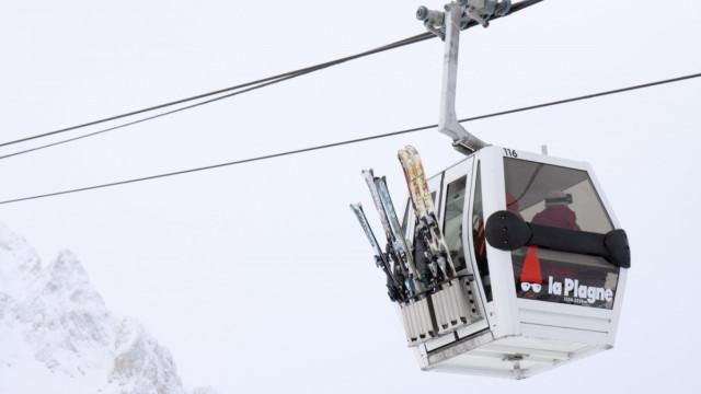 Ventos fortes põem em risco população nos resorts de esqui na Suíça