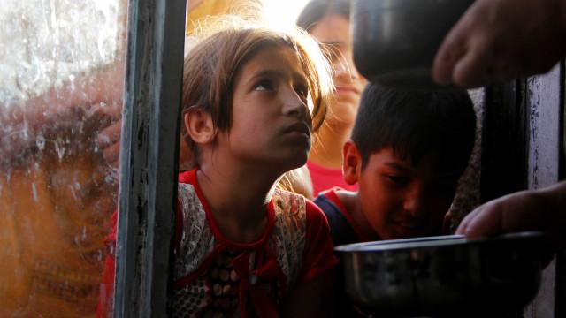 Guerra entre Iraque e EI retirou 1,3 milhão de crianças de casa