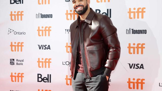 Drake lança duas músicas novas de uma só vez