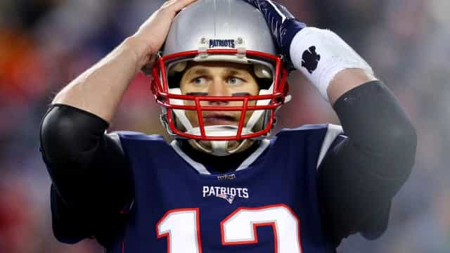 Brady pode se garantir no Super Bowl pela 8ª vez, mas lesão preocupa
