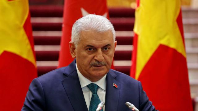 Turquia dá início à ofensiva aérea contra posições curdas em Afrin