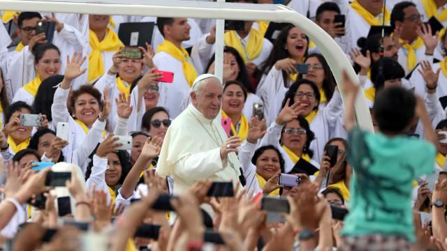 Papa alerta sobre 'praga' do feminicídio na América Latina