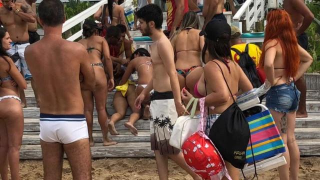 Mulher é baleada no calçadão de praia na Zona Oeste do Rio