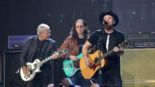 Guitarrista do Rush confirma fim da banda após 41 anos de carreira