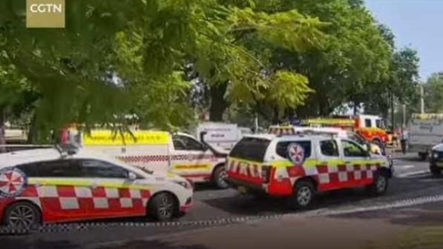 Trem bate contra barreiras de segurança e deixa 15 feridos