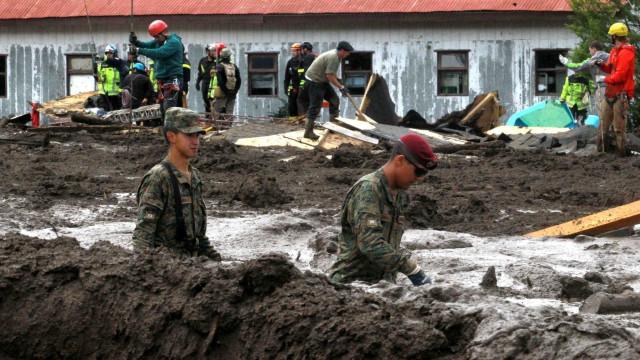 Queda de ônibus em abismo mata 13 pessoas na Colômbia