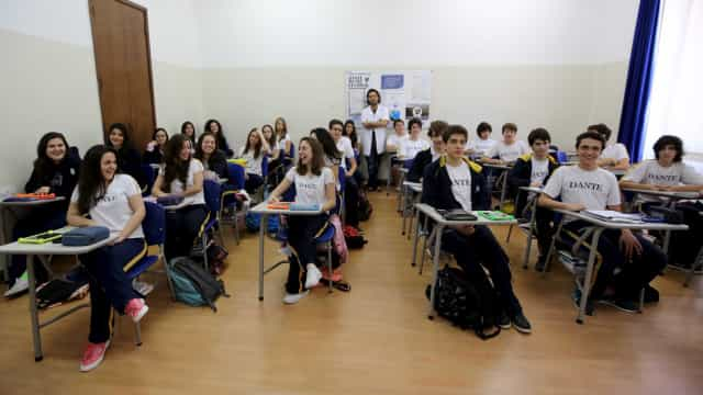 MEC adia ampliação do tempo de formação de professor