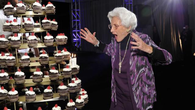 Atriz mais velha de Hollywood, Connie Sawyer morre aos 105 anos