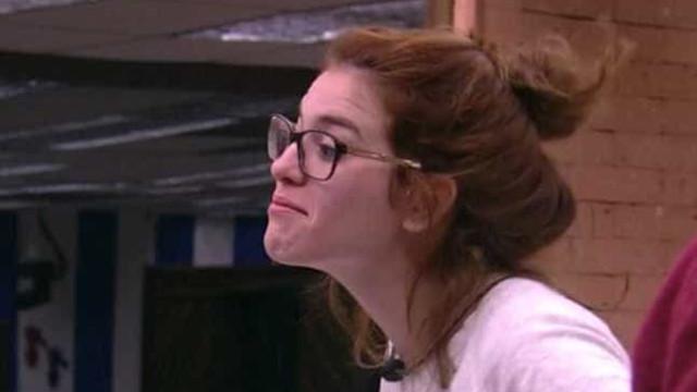 Ana Clara chorapor ver o paisendo excluído no 'BBB18'