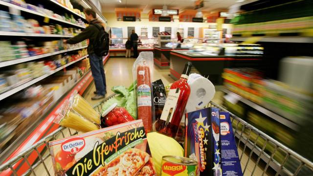 Chamado de 'bicha', cliente de supermercado será indenizado em R$30 mil