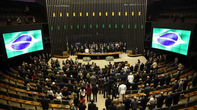Intervenção tira fim do foro privilegiado da pauta do Congresso