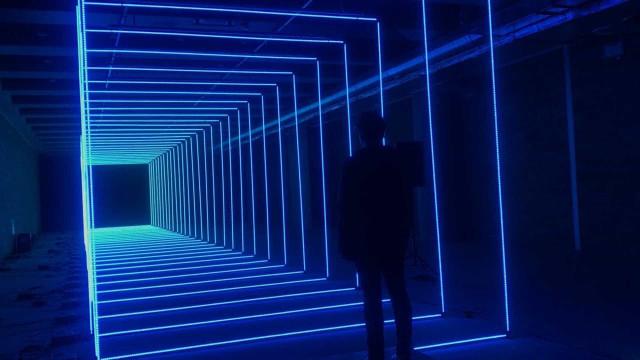 Corredor luzes LED é controlado com a mente