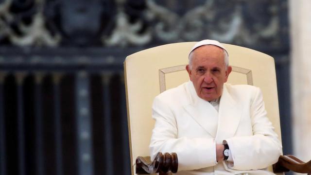 Papa nomeia substituto de bispo preso por suspeita de desviosem GO