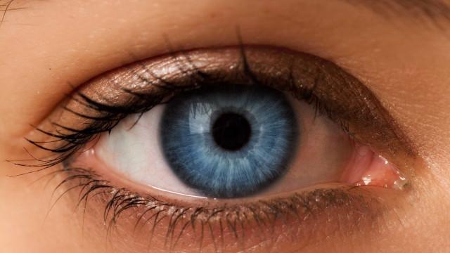Raridade: por que algumas pessoas têm olhos claros?