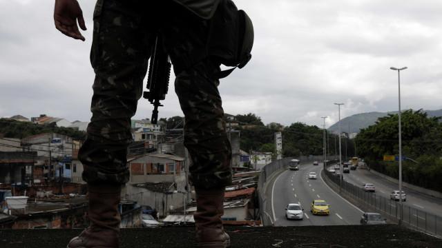 Homem morre durante operação das Forças Armadas e PM no Rio