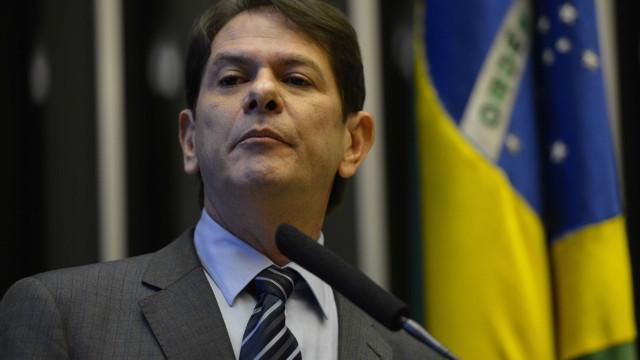 Em ato, Cid Gomes diz que Haddad é 'o menos ruim para o Brasil'