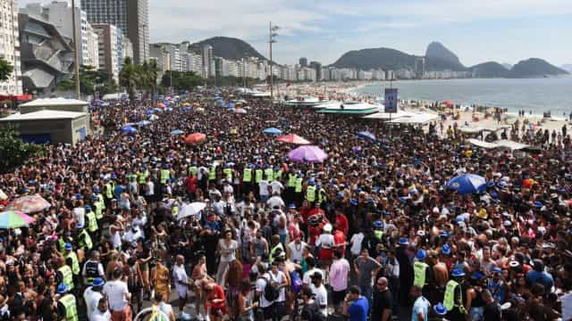 Visto eletrônico aumenta entrada de turistas no Brasil, diz Embratur