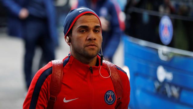 Fora da Copa do Mundo? O Dia D de Dani Alves em Paris