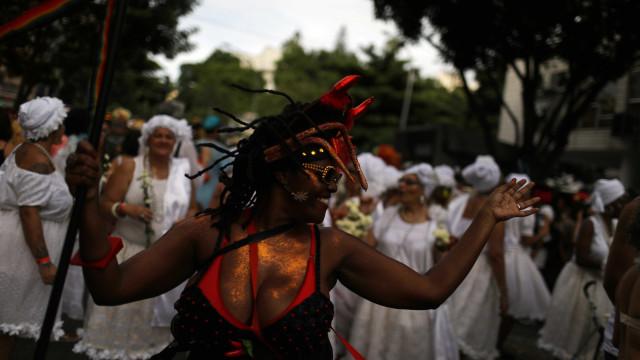 Cerca de 80 blocos animam foliões no último dia de carnaval no Rio