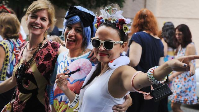 No carnaval da 23 de maio, problemas vão de xixi e consumo de drogas