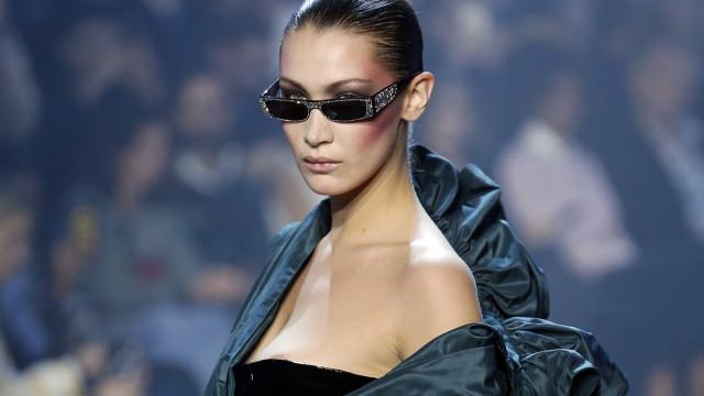 Óculos com glitter prometem ser hit da temporada de moda