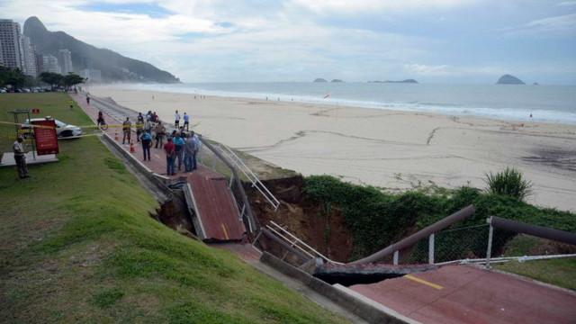Prefeitura do Rio demora a interditar ciclovia que caiu após temporal