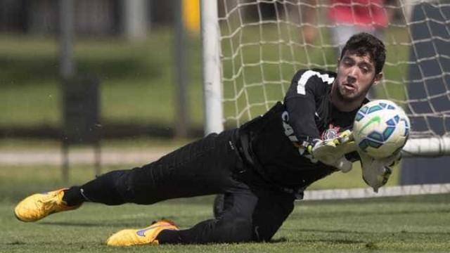 Goleiro do Corinthians é assaltado após derrota para o São Bento